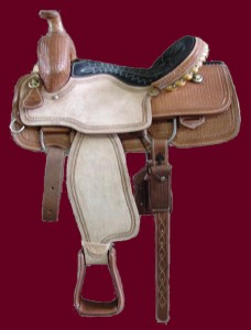 half-breed-roping-saddle_maroon